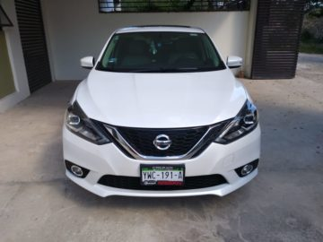 Nissan Sentra Exclusive Navy 2017
