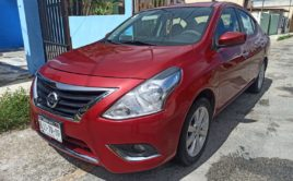 Nissan Versa Advance 2015