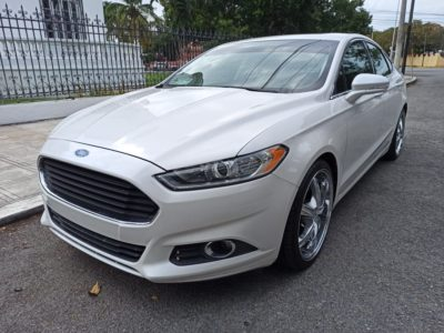 Ford Fusion Luxury 2013